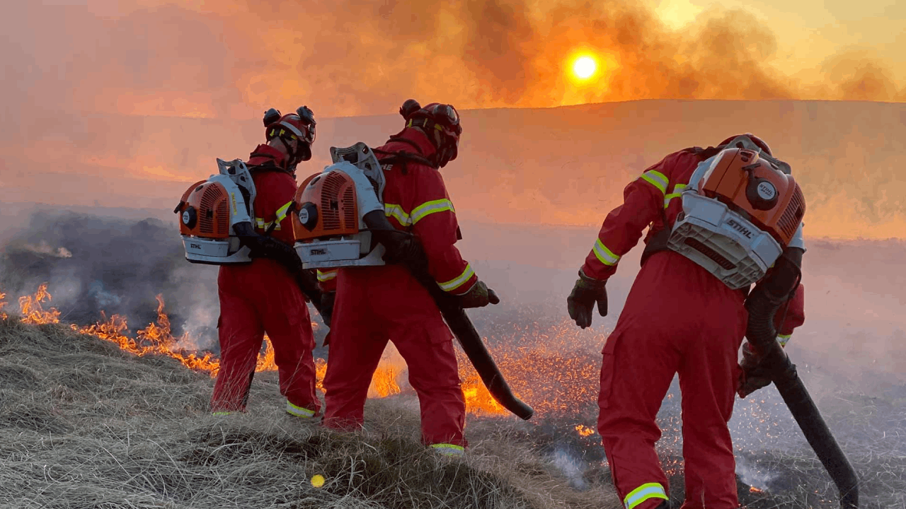 Over 70 Firefighters Continue to Tackle Large Blaze Across Marsden Moor
